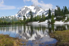 Mount Shuksan. With a reflection in a picture lake in Washington State USA Stock Photos