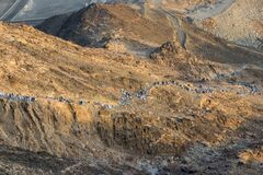 Free Mount Thawr. Muslim Pilgrims Climb The Mount Thawr Where Located The Thawr Cave. Mecca - Saudi Arabia: August 2018 Royalty Free Stock Photos - 217568658