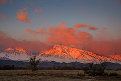 Mount Tom And Basin Mountain Sunrise royalty free stock images