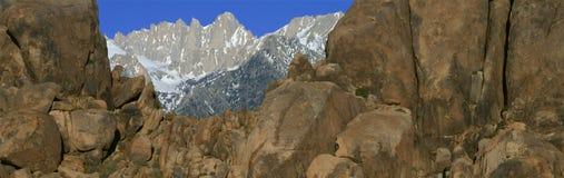 Mount Whitney som är ensam sörjer, Kalifornien Arkivbild