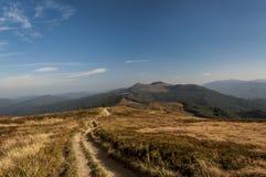 Mountaais Bieszczady slinga royaltyfria foton