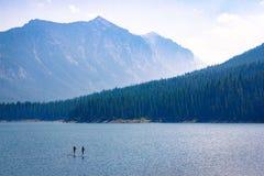 Mountain湖休闲 库存图片