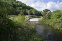 Mountain湖溢洪道在弗吉尼亚,美国 库存图片