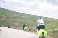 Mountain bike de ciclagem dos povos Foto de Stock Royalty Free