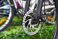 Mountain bike dianteiro do freio de disco Imagem de Stock Royalty Free