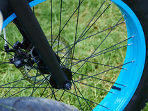 Mountain Bike ready for action. In closeup on the front wheel Royalty Free Stock Photos