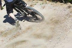 Mountain bike rider graviti slope Royalty Free Stock Photos