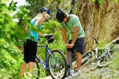 Mountain bike trouble Royalty Free Stock Photography