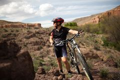 Mountain biker in canyon Royalty Free Stock Photos