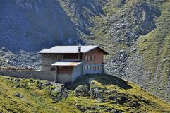 Mountain Chalet In Summer Royalty Free Stock Photos