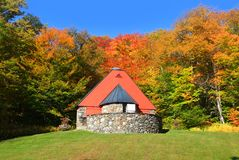 Mountain chapel near Vermont Royalty Free Stock Photos