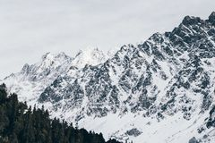 Mountain Cover by Snow at Daytime Royalty Free Stock Photos