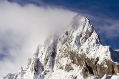 Mountain covered with snow Royalty Free Stock Images