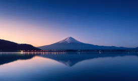 Mountain Fuji at dawn with peaceful lake reflection Stock Photography