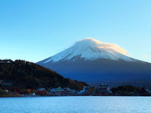 Mountain Fuji and lake Stock Images