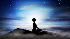 Free Mountain Girl Silhouette, Meditation Under Stars Royalty Free Stock Photography - 160029337