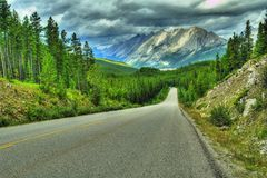 Free Mountain Highway Rockies Royalty Free Stock Photography - 6780157