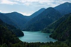 Free Mountain Lake Royalty Free Stock Image - 15914436