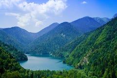 Free Mountain Lake Royalty Free Stock Photography - 3102147