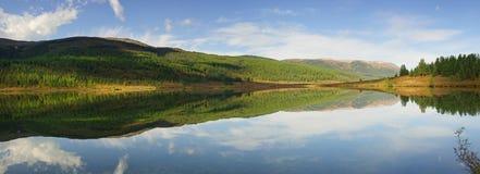 Mountain Lake Foto de archivo libre de regalías