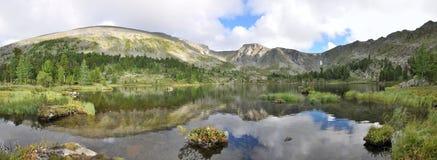 Mountain Lake Imagen de archivo libre de regalías