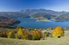 Mountain and lake in autumn Stock Photography