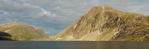 Mountain lake - Djupvatnet lake, More og Romsdal, Royalty Free Stock Photos