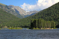 Mountain Lake with mountains Royalty Free Stock Photography