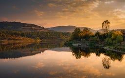 Free Mountain Lake Reflections At Sunset Royalty Free Stock Photography - 160595507