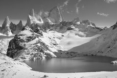 Mountain lake and snowy landscape Royalty Free Stock Photography