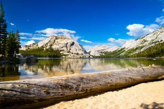 Mountain lake in Yosemite Royalty Free Stock Images