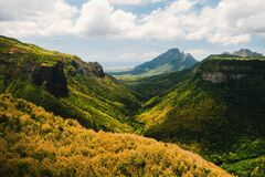 Free Mountain Landscape Of The Gorge On The Island Of Mauritius, Green Mountains Of The Jungle Of Mauritius Royalty Free Stock Photography - 181022427