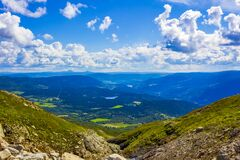 Free Mountain Landscape Panorama At Sunny Day In Vang Norway Royalty Free Stock Image - 207870336