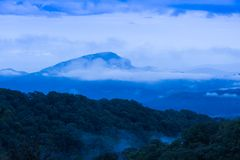 Mountain landscape view at dusk with cloud Royalty Free Stock Photos