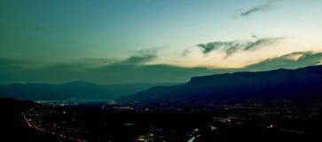 mountain night valley στοκ φωτογραφία με δικαίωμα ελεύθερης χρήσης