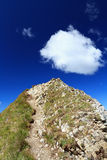 Mountain peak with cloud Royalty Free Stock Images