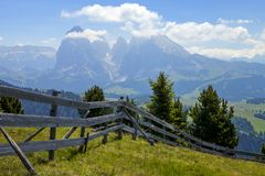 Alpe di siusi in South Tyrol, Italy. Mountain peaks around the plateau in Alpe di siusi in South Tyrol, Italy royalty free stock photography