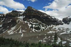 Mountain peaks in Lake louise Stock Photography
