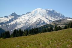 Mountain rainier national park Royalty Free Stock Image