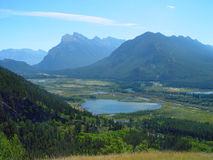 Mountain range and lakes. View from Gargoyle Pass of the Vermilion Lakes and Mountains Rundle and Sulphur, Banff Stock Photo