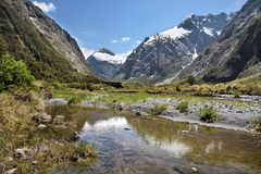 Mountain range at the Milford Road Royalty Free Stock Photo