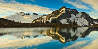 Mountain Reflection Royalty Free Stock Images