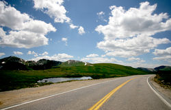 Mountain Road. Continental Divide Road in high Rockies, Colorado Royalty Free Stock Photos