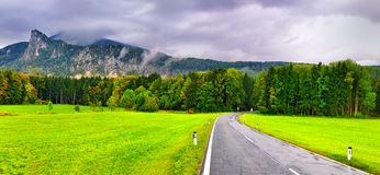 Mountain road in Austrian Alps Royalty Free Stock Photos