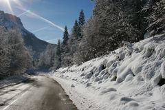 Mountain road snow-covered Stock Photography