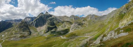 Mountain road in Switzerland Royalty Free Stock Photos
