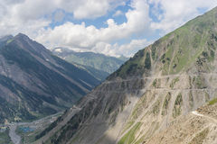 Mountain road to Sonamarg village, Srinagar, Jammu Kashmir, Indi. A, Asia Royalty Free Stock Photos