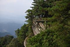 Mountain roads along the cliffs Royalty Free Stock Photos