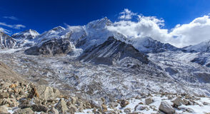 Mountain scenery in Himalaya, Nepal Stock Photo