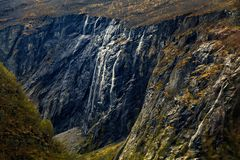 Mountain slope going down sharply Royalty Free Stock Photography